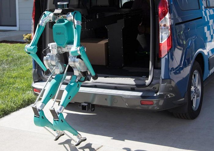 Безголовые роботы Agility помогут Ford с доставкой